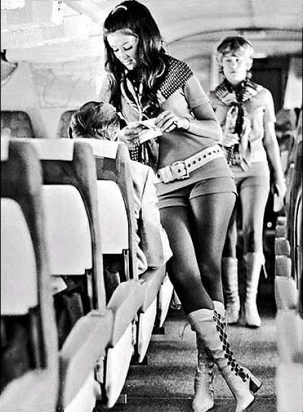 girl-hotpants-21-airlines