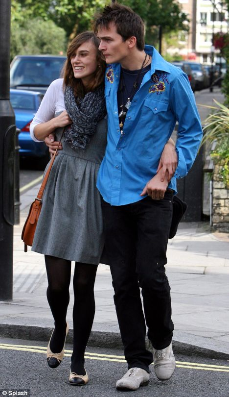 My new favorite couple : keira knightley and rupert friend. so cute ;}}}